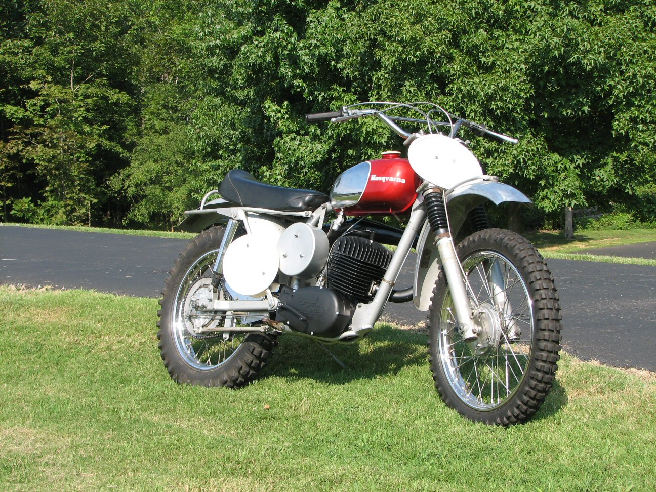 Kevin Grimes, the premier HVA collector in the USA, has completed his  latest rare find........and he took it out riding tday. The 1966 Husqvarna  360 is so ...
